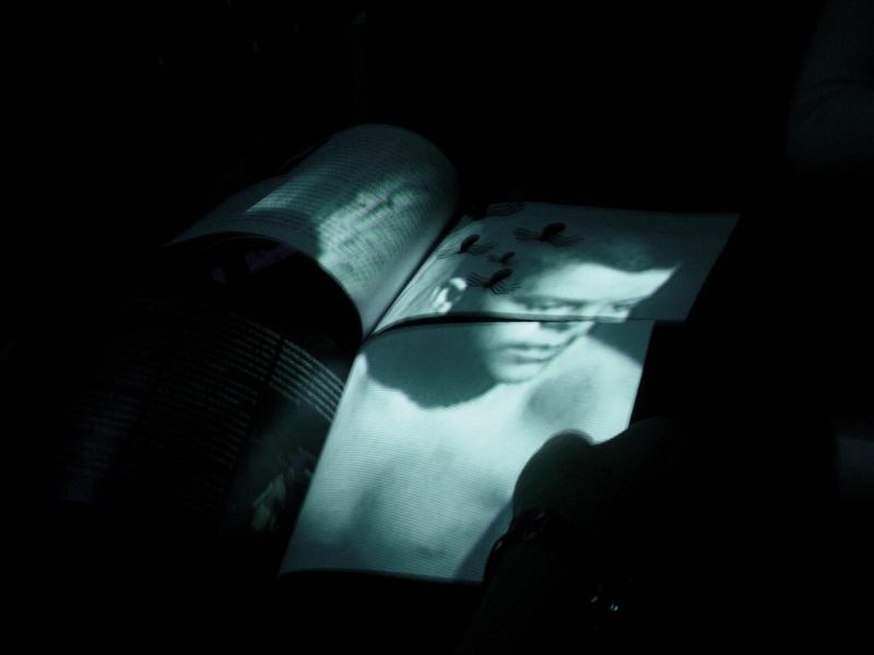 julia-dantonnet-2005-scenographie-lumiere-video-02