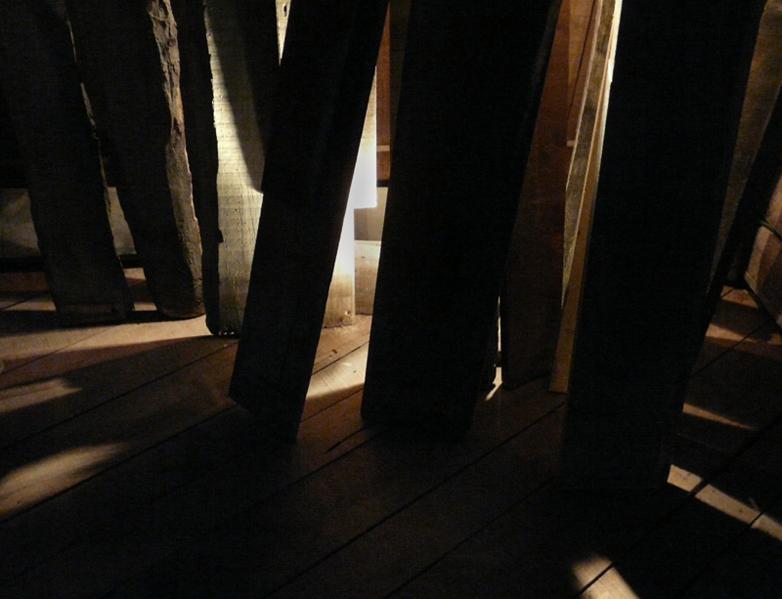 julia-dantonnet-2008-scenographie-museeairespace-lumiere-19