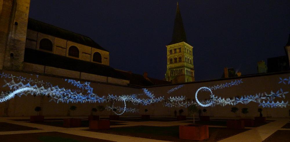 julia-dantonnet-2012-charite-sur-loire-video-lumiere-art-light-02