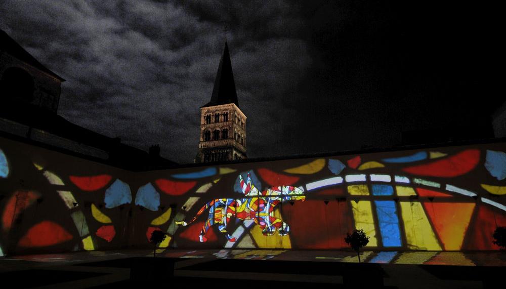 julia-dantonnet-2012-charite-sur-loire-video-lumiere-art-light-05