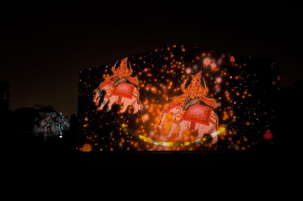 julia-dantonnet-2013-jantar-mantar-luminocity-video-04