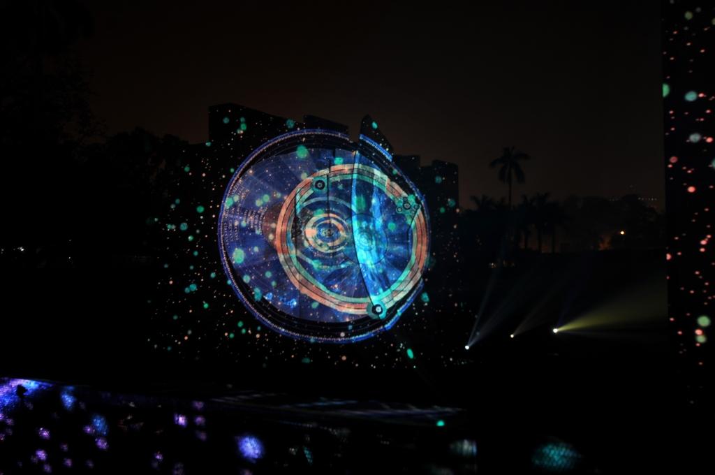 julia-dantonnet-2013-jantar-mantar-luminocity-video-07