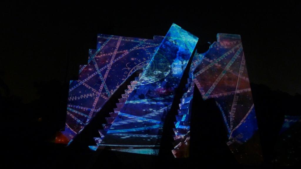 julia-dantonnet-2013-jantar-mantar-luminocity-video-13