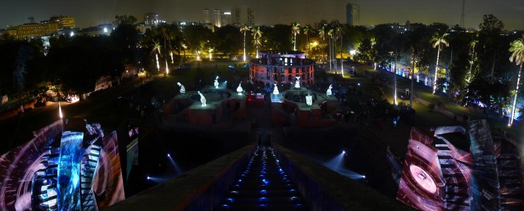 julia-dantonnet-2013-jantar-mantar-luminocity-video-14